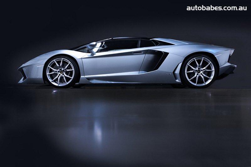Lamborghini Aventador LP700-4 Roadster!